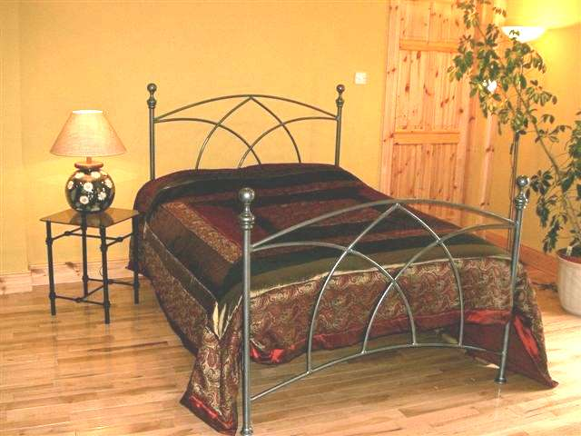 avoca bed in pewter