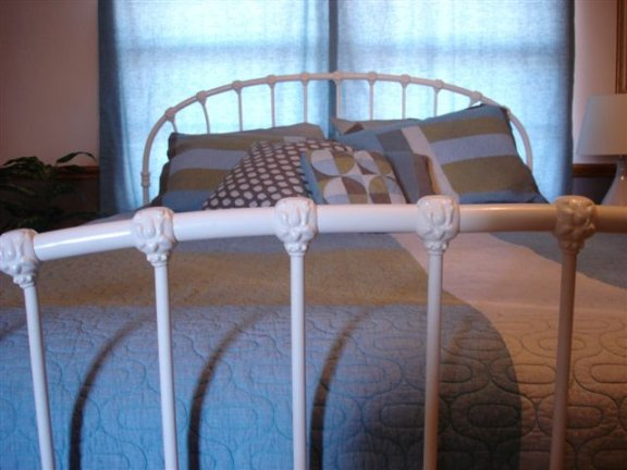 iron bed Shannon